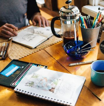 artists-work-desk